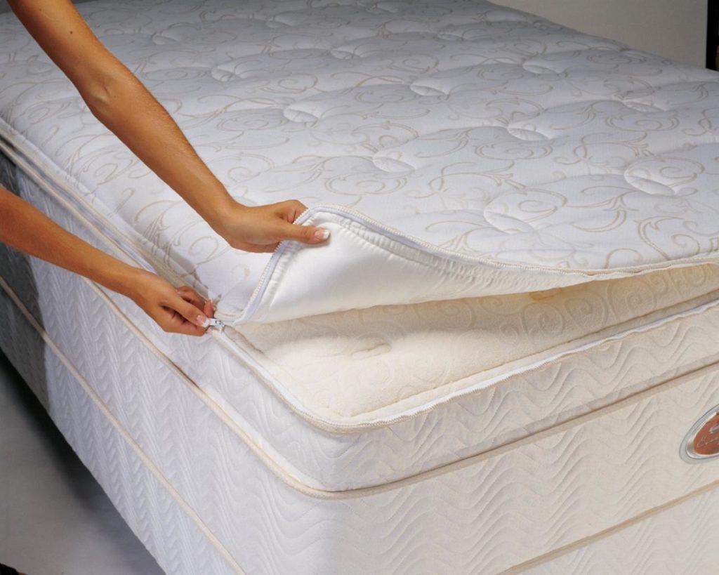 Наматрасники на Кровать