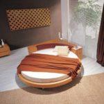 Овальная кровать с матрасом