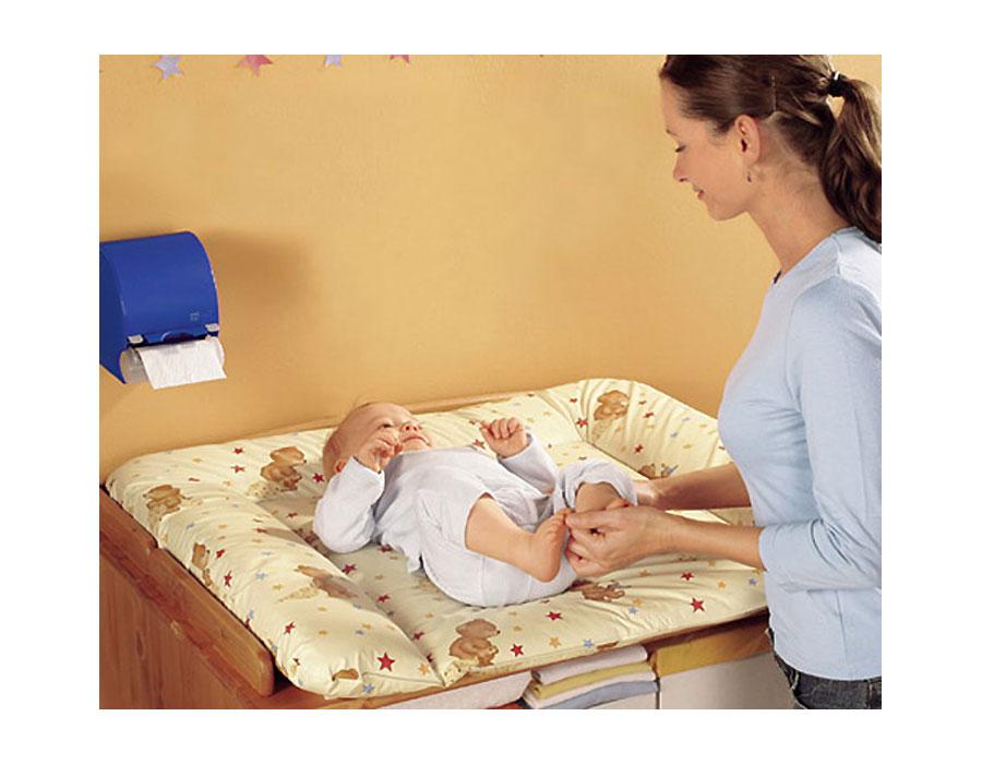 матрасик пеленальный с малышом