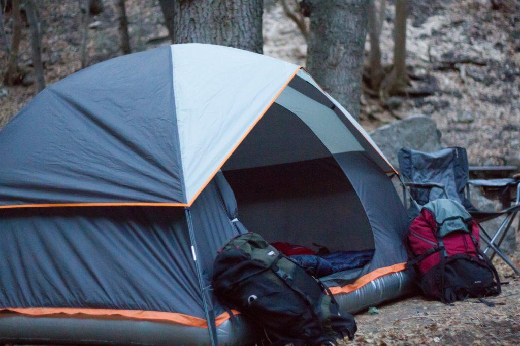 Палатка с надувным дном