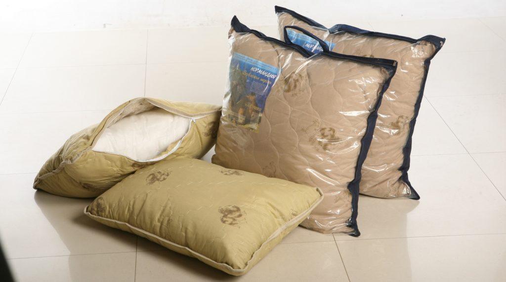 Подушки текстиль из верблюжьей шерсти