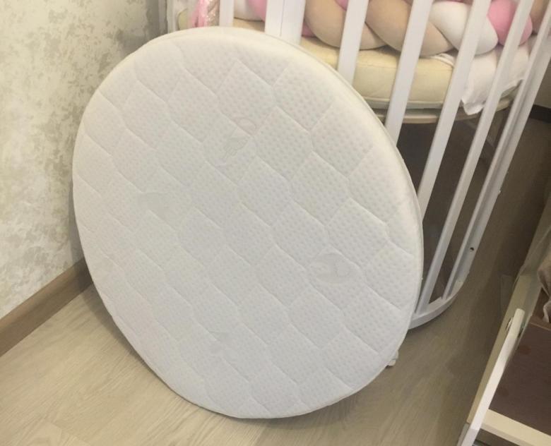 Детский круглый матрас в кроватку