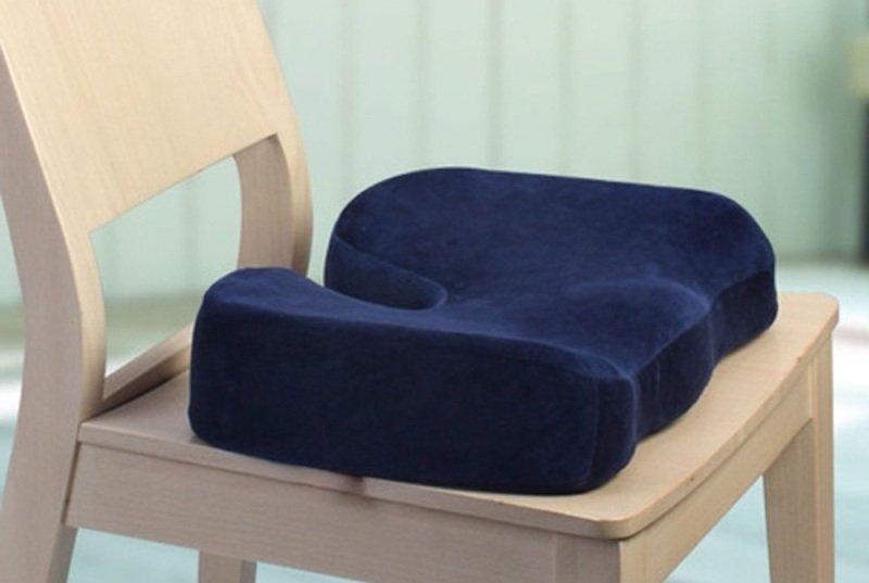 Ортопедическая подушка от геморроя фото