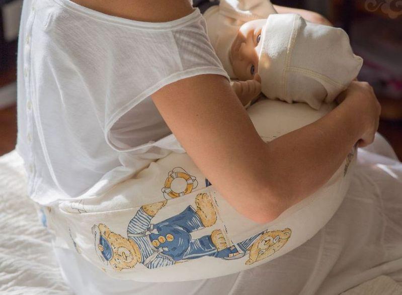 Подушка-полумесяц Velina фото
