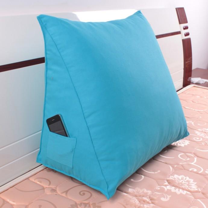 Треугольная подушка для чтения