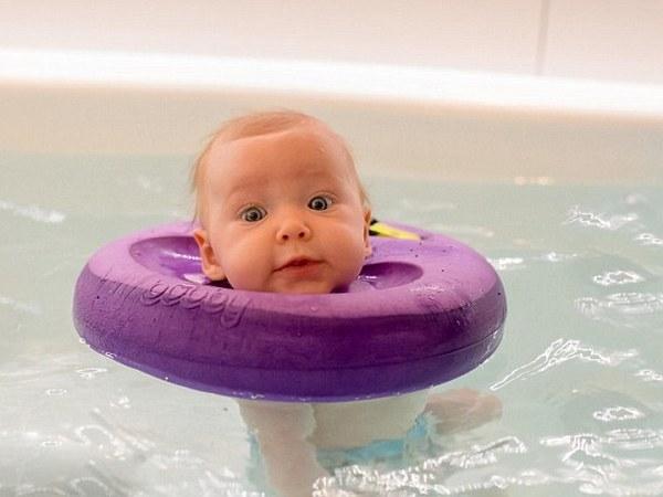 круги для купания фотографии