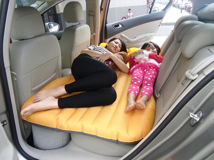 Матрац в машину на заднее сиденье фото