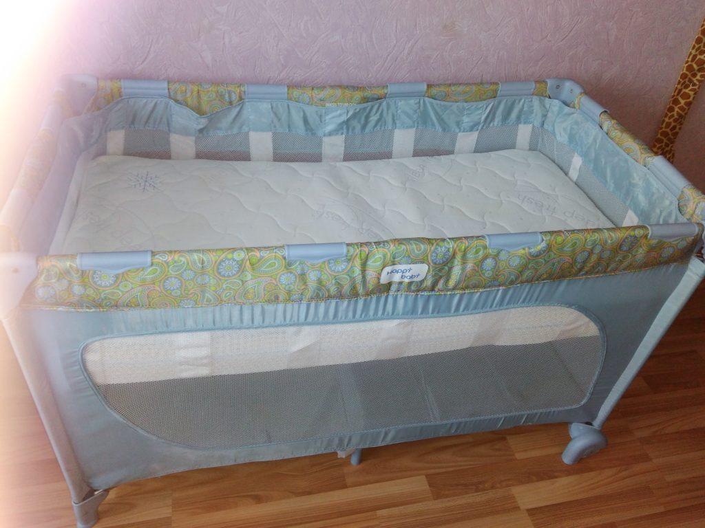 матрас в кровать-манеж фото