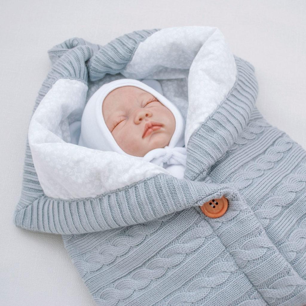Вязаный конверт для малыша