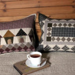 "<span class=""title"">Пэчворк подушки: с аппликацией, для дивана, техники изготовления</span>"